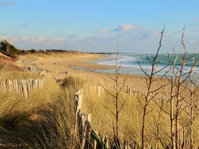 Küstenweg in La Couarde-sur-Mer ©Lesley Williamson
